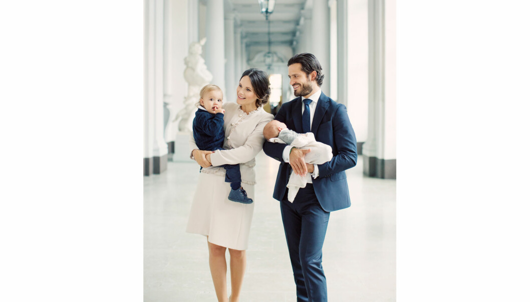 FIN FAMILIE: Den aller siste dagen i august kom lille prins Gabriel til verden. Fra før har prinseparet sønnen prins Alexander (1). Foto: Erika Gerdemark // Kungahuset.se