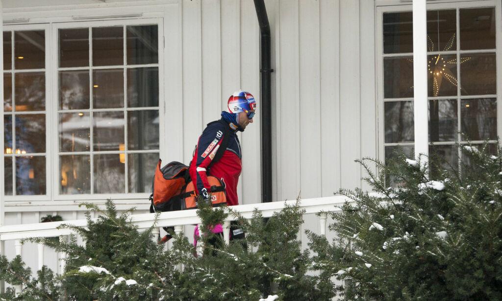 image: Northug har forlatt Lillehammer og tar en pause fra verdenscupen