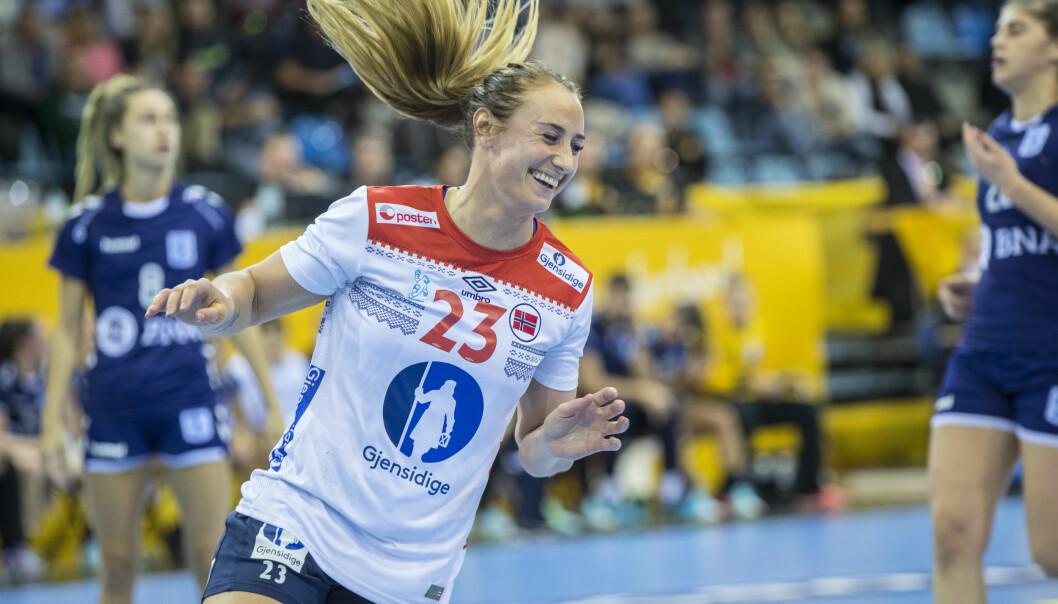 <strong>HÅNDBALLSTJERNE:</strong> Camilla Herrem spiller for Sola Håndball og det norske landslaget. Foto: NTB Scanpix