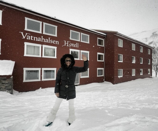 VATNAHALSEN HOTELL: Vatnahalsen Høyfjellshotell ligger majestetisk til på 820 meter over havet. For å komme hit må du enten ta tog, sykkel eller gå.