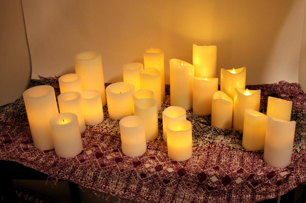 <b>LAR DU DEG LURE?</b> LED vokslys finnes i mange varianter. Hvilke ser mest ekte ut? Foto: KRISTIN SØRDAL