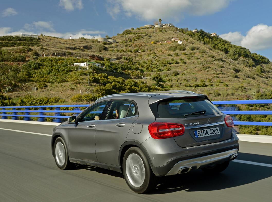 <strong><b>STRUKKET:</strong></b>Mercedes-Benz GLA er strukket 12,5 centimeter i forhold til opphavet, A-klasse. I tillegg ruver den noe høyere.   Foto: Mercedes