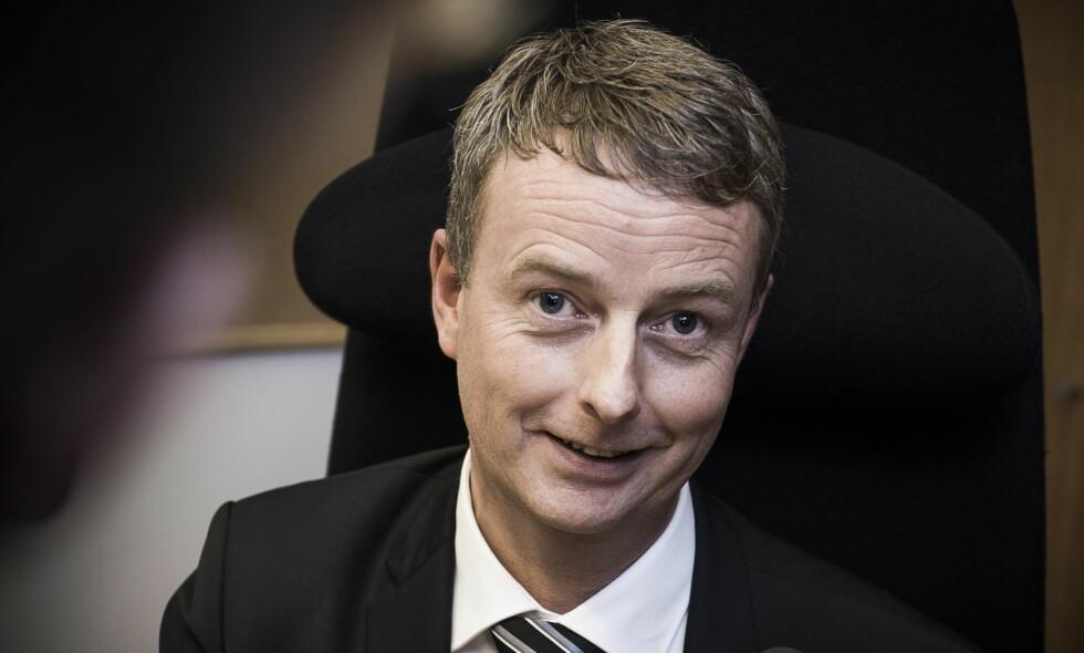 PRESENTERTE TALL: Terje Søviknes sier staten vil tjene 13 milliarder på Goliat. Det tror ikke kritikerne noe som helst på. Foto: Lars Eivind Bones / Dagbladet