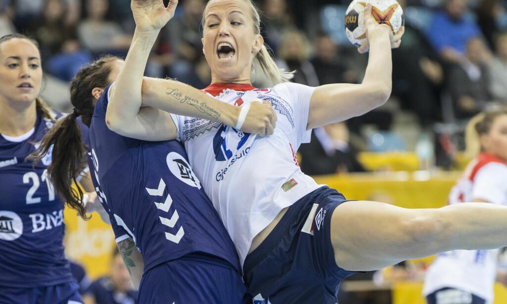 SYK: Heidi Løke er blitt syk og er usikker til kamp i kveld. Foto: Vidar Ruud / NTB scanpix