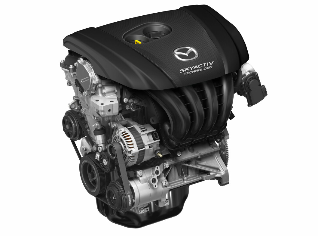 <strong><b>EGNE LØSNINGER:</strong></b> Mazda satser på selvaspirerende motorer, har egne løsninger for hybrid. Neste motorgenerasjon blir en aldri så liten revolusjon i bensinmotorens historie. Foto:  MAZDA