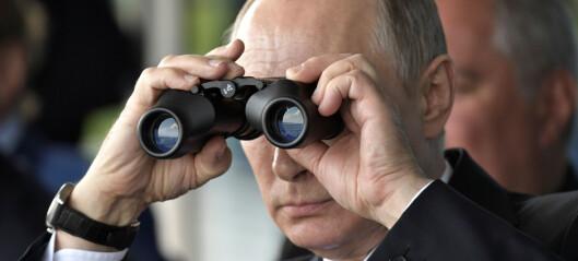 Putin stiller til gjenvalg for seks nye år som Russlands president