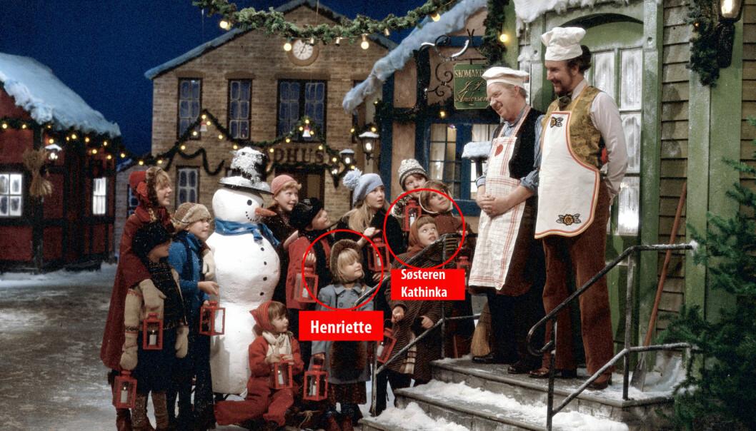 KJENNER DU HENNE IGJEN?: Slik så det ut da Henriette Steenstrup og søsteren hennes var med i «Jul i Skomakergata». Foto: NRK