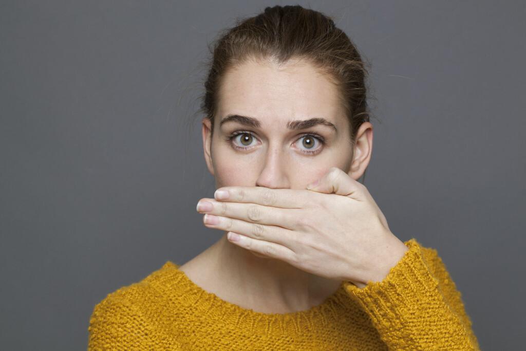 DÅRLIG MUNNÅNDE: Dårlig ånde er svært vanlig, men kan også være et symptom på flere sykdommer eller tilstander. Foto: NTB Scanpix/Shutterstock