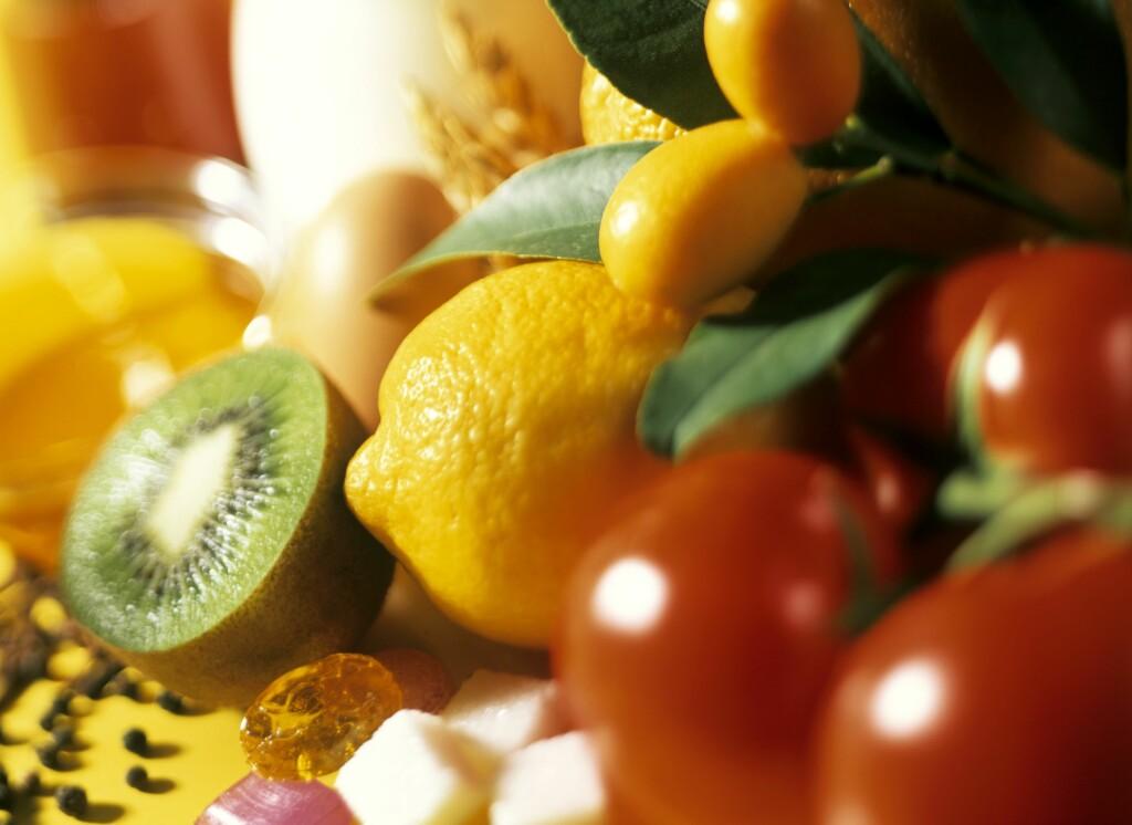 RÅTT: Særlig rå frukt og grønnsaker kan frambringe allergiske reaksjoner.  Foto: Studio R. Schmitz