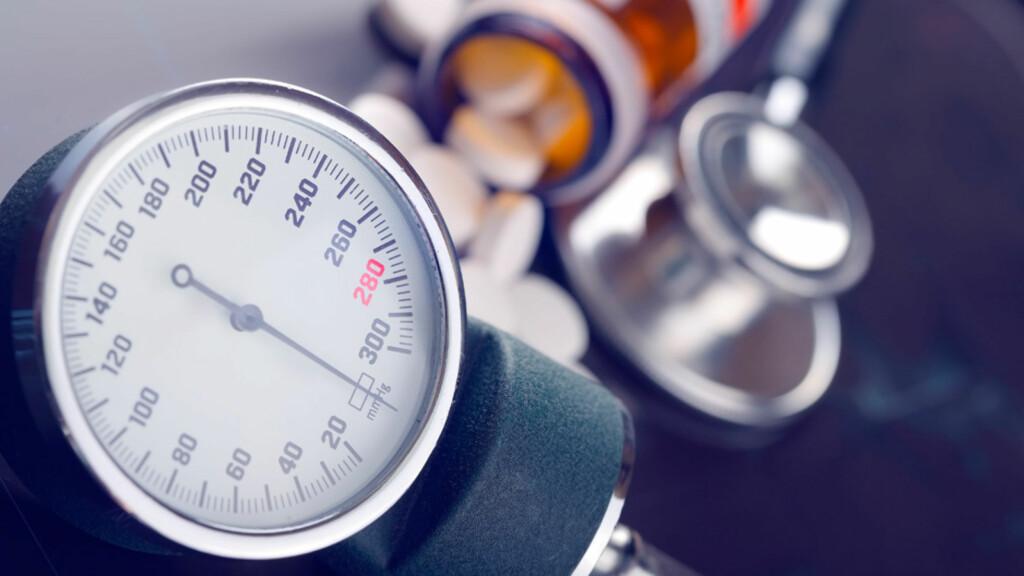 HØYT BLODTRYKK: Det finnes flere medisiner som kan senke blodtrykket ditt. Foto: NTB Scanpix/Shutterstock