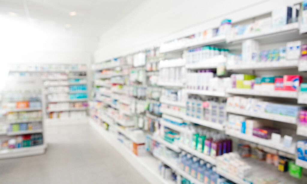 MER MEDISIN: Vitaminer, medisiner og andre apotekvarer er billigere i Sverige. Det rigges nå for gigantapoteker. Foto: NTB Scanpix
