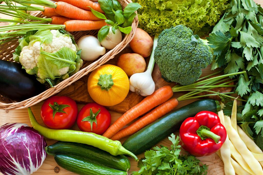 KILDE TIL VITAMINER: Grønnsaker er supermat, mener forsker.  Foto: Ana Blazic Pavlovic/ Shutterstock/ NTB scanpix