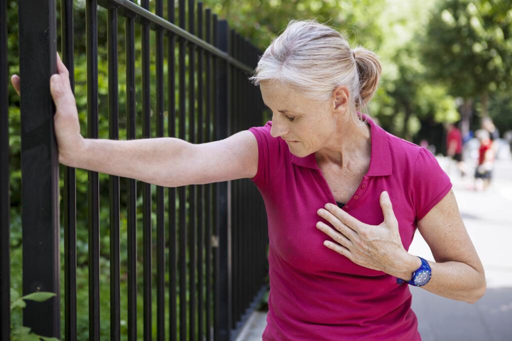 BLODTRYKKSFALL: Svimmelhet er typisk tegn. Vær forsiktig med hard fysisk aktivitet hvis det gjør deg svimmel. Foto: NTB Scanpix
