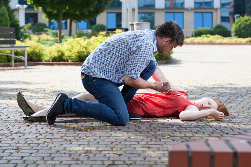 EPILEPTISK ANFALL: Noen kan få kraftige anfall Foto: NTB Scanpix