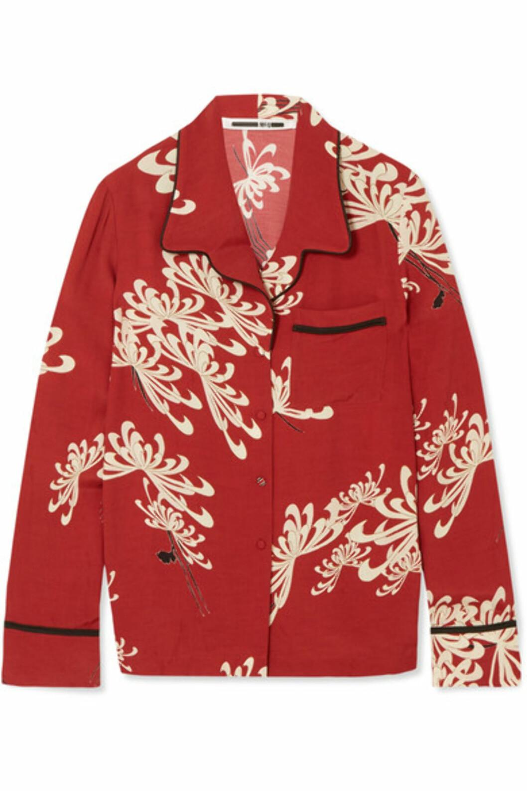Skjorte fra Alexander McQueen via Net-a-porter.com |4300,-| https://www.net-a-porter.com/no/en/product/989279/mcq_alexander_mcqueen/printed-crepe-de-chine-shirt