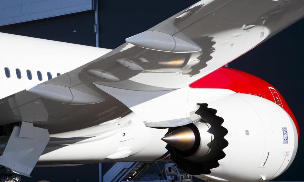 TRØBBEL: Rolls-Royce-motoren til Boeings 787–9 Dreamliner-fly har for dårlige deler og serviceintervallet er derfor blitt mye hyppigere enn planlagt. Dette fører til kø for vedlikehold, noe som rammer alle flyselskap som har flytypen, blant annet Norwegian, Virgin og British Airways. Foto: Heiko Junge / NTB scanpix