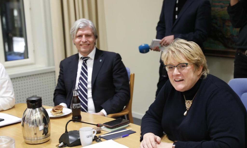 I REGJERINGSFORHANDLINGER: Venstres nestleder Ola Elvestuen og leder Trine Skei Grande. Her ved en tidligere anledning.  Foto: Terje Bendiksby / NTB scanpix