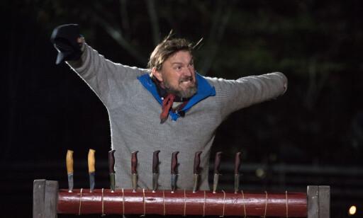 USLÅELIG: Det var villmarksentusiast og lokalpolitiker Halvor Sveen (47) som til slutt gikk seirende ut av årets «Farmen». Her skjønner 47-åringen at han har vunnet. Foto: Alex Iversen / TV 2