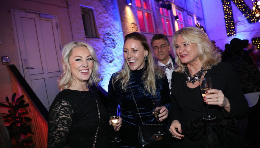 STAS: Karianne Amlie Wahlstrøm hadde med seg moren, søsteren og stefaren på festen. Foto: Christian Roth Christensen / Dagbladet