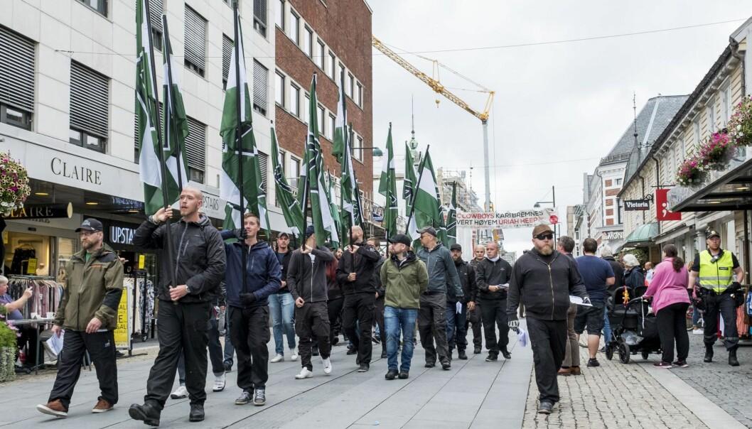 <strong>ULOVLIG i FINLAND:</strong> Den nordiske motstandsbevegelen marsjerte i Kristiansand 29. juli. For få dager siden fastslo en domstol i Finland at organisasjonen er ulovlig. Foto: Tor Erik Schrøder / NTB Scanpix