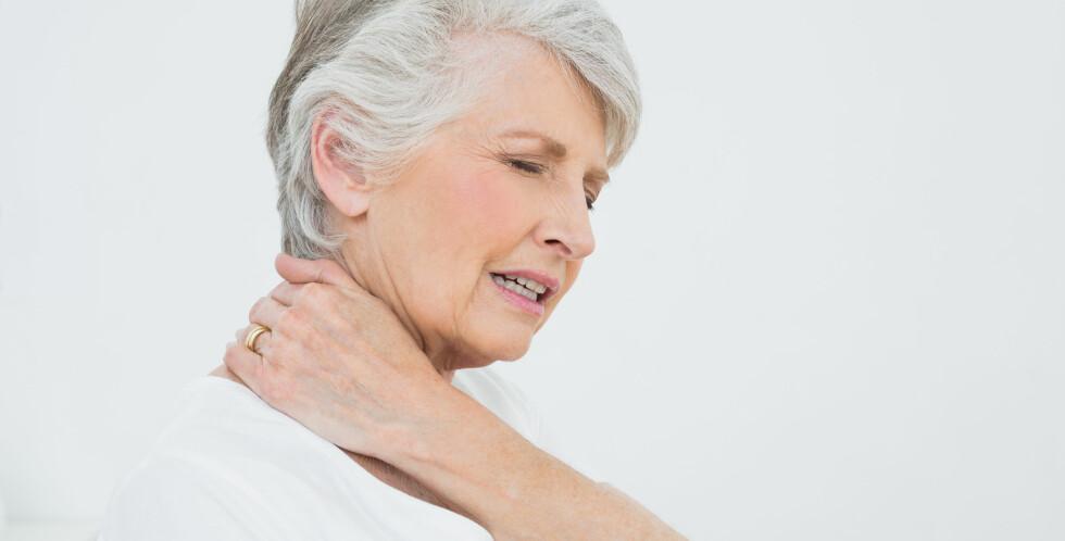 NAKKESMERTER: 80% av befolkningen vil på ett eller annet tidspunkt i livet få en eller annen form for muskel, nerve eller skjelettlidelser. Nakkesmerter er vanlig. Foto: NTB Scanpix/Shutterstock