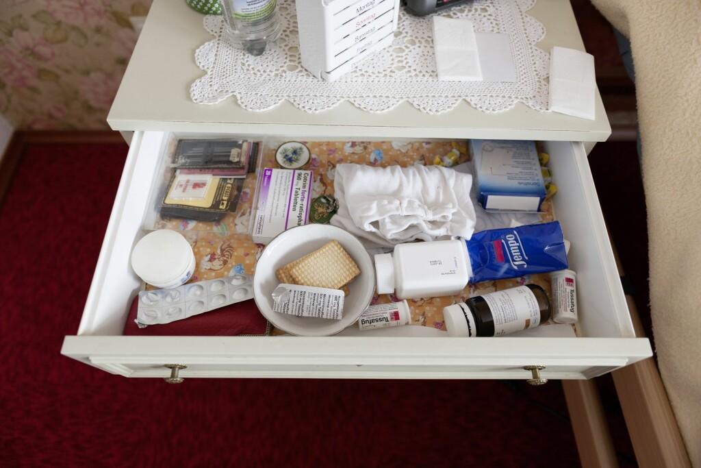 LETT TILGJENGELIG FOR BARN: Foreldre eller besteforeldre er kanskje ikke så vant til å tenke på at medisiner må pakkes vekk - også på hytta.  Foto: Scanpix