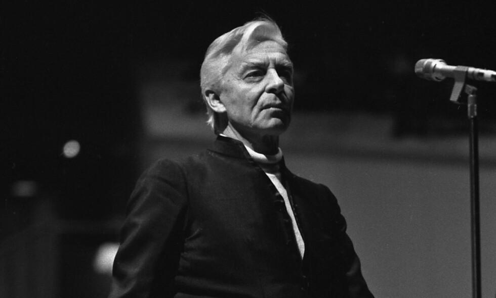 I verdenstoppen: Herbert von Karajan og Berlin-filharmonikerne måtte spille i en kinosal da de besøkte Norge. (AP Photo/Elke Bruhn-Hoffmann)