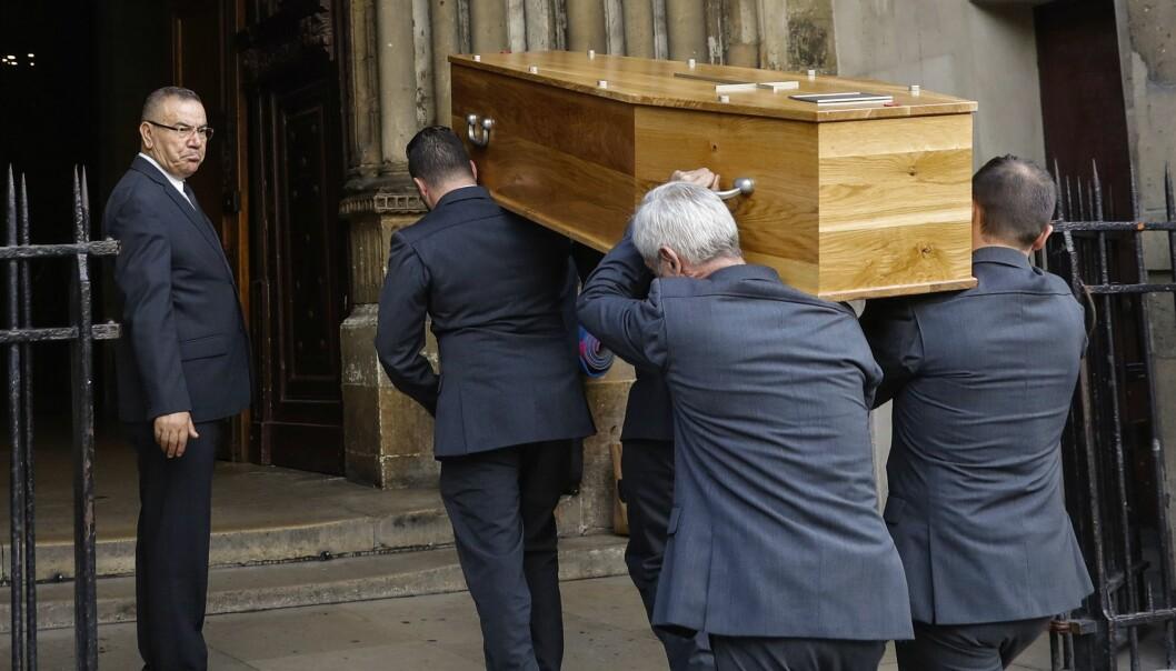 <strong>BLE STEDT TIL HVILE:</strong> Hervé L. Leroux, født Hervé Peugnet, ble gravlagt i Paris i oktober. Foto: AFP/ NTB scanpix