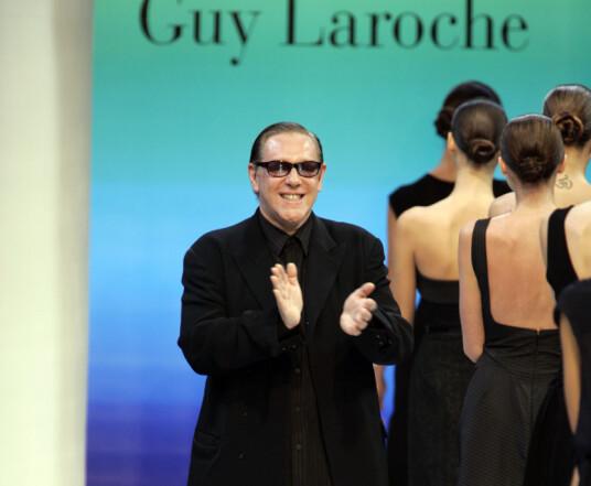 MER ANONYM: Franskmannen, her som Hervé L. Leroux, på catwalken etter sin Guy laroche-visning i Paris i 2005. Foto: AP/ NTB scanpix