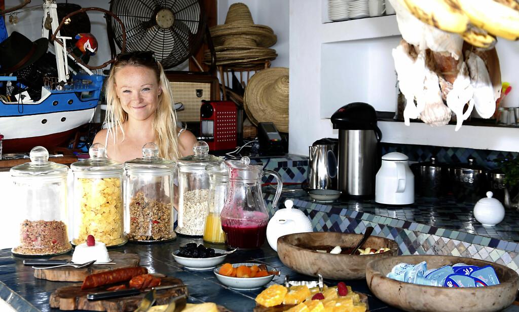 GOD MORGEN: Fra et heseblesende liv med studier og toppidrettskarriere hjemme i Norge, har Line Beate Melsæter senket skuldrene og funnet seg selv igjen i Marokko. Hun håper flere unge jenter kan bli inspirert av hennes egen historie. Foto: Tormod Brenna