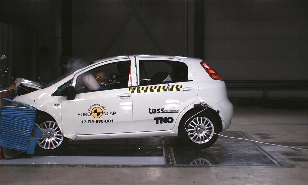 IKKE STJERNESMELL: Null stjerner - det har aldri skjedd før i Euro NCAPs historie som ledende pådriver for økt sikkerhet. Foto: Euro NCAP