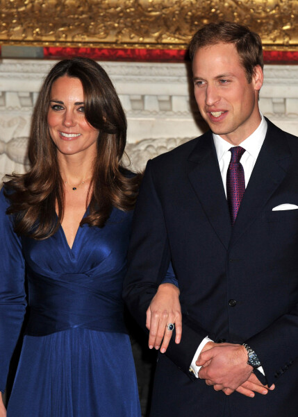 INGEN FEIRING SAMMEN: Prins William og hertuginne Kate forlovet seg 16. november 2010 - men feiret likevel ikke jula sammen dette året. Foto: NTB Scanpix