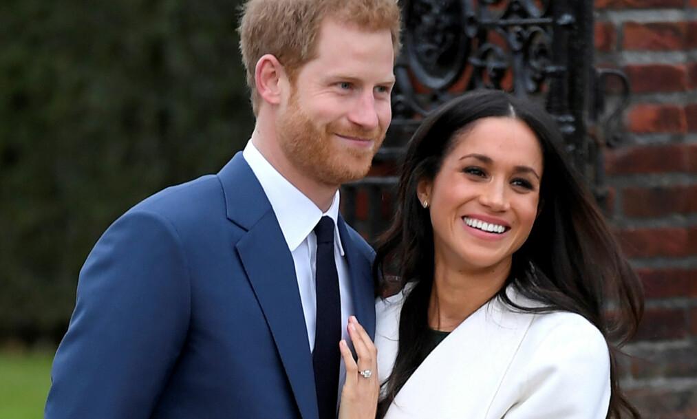 <strong>VISTE SEG FREM:</strong> Da prins Harry og Meghan Markle annonserte forlovelsen sin i november, tok de seg tid til å snakke med pressen. Nå har Kensington Palace sluppet offisielle bilder av paret. Se de forelskede turtelduene nede i saken. Foto: NTB scanpix