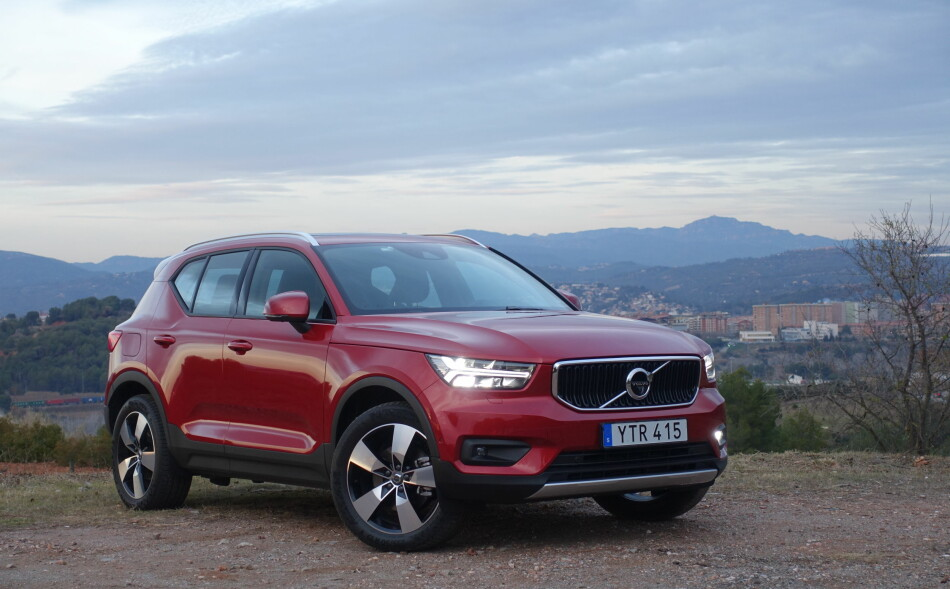 test volvo xc40 volvo med full pakke dinside. Black Bedroom Furniture Sets. Home Design Ideas