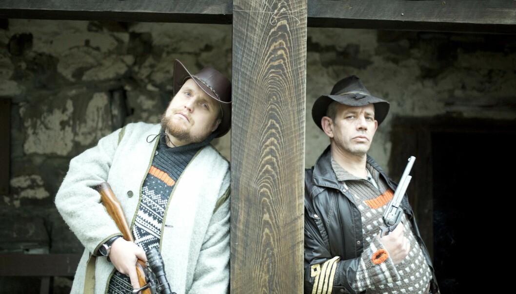 SMELLER TIL: Stian Thorbjørnsen og Lothepus satser på westernstemning i videoen til sin nye låt. Foto: August Strand