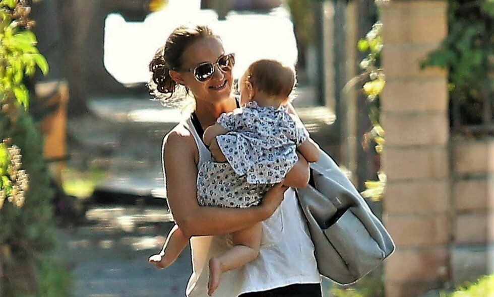 STOLT MAMMA: Natalie Portman elsker sitt nye liv som tobarnsmor. Foto: NTB Scanpix