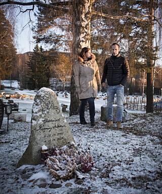 FANT STEINEN SELV: Oddmunds gravstein pekte han selv ut i skogen. Foto: Lars Eivind Bones / Dagbladet