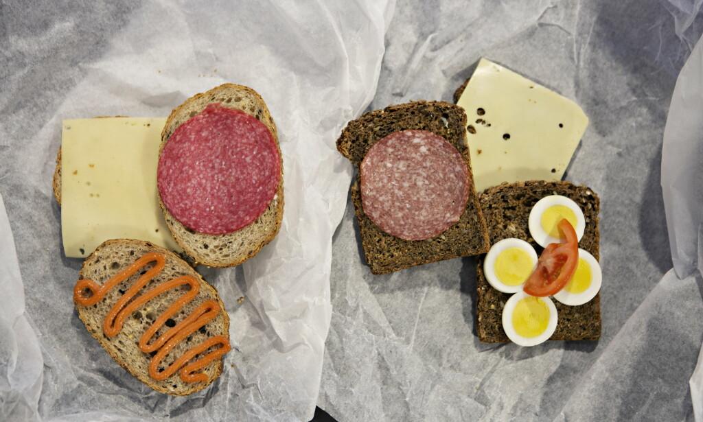 TO MATPAKKER, ULIKT NÆRINGSINNHOLD: Enkle, men betydningsfulle valg av pålegg og brød kan ha mye å si for hvor sunn matpakka di er. (Foto: Frank Karlsen / Dagbladet)