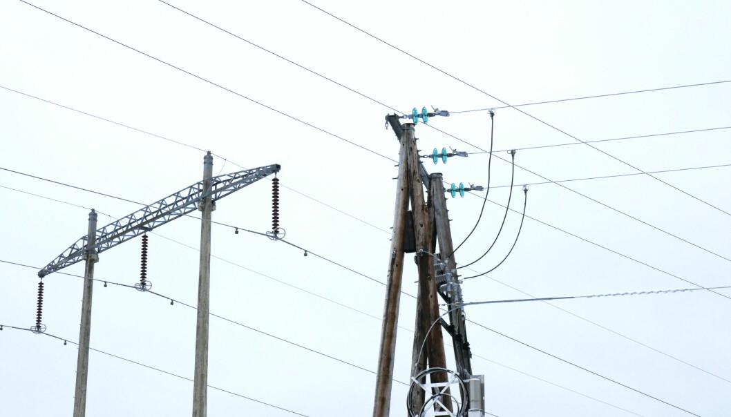 <strong>DYRERE:</strong> På grunn av store investeringer i strømnettet må tre av fire strømkunder belage seg på å betale mer i nettleie neste år. Foto: Erik Johansen / NTB scanpix