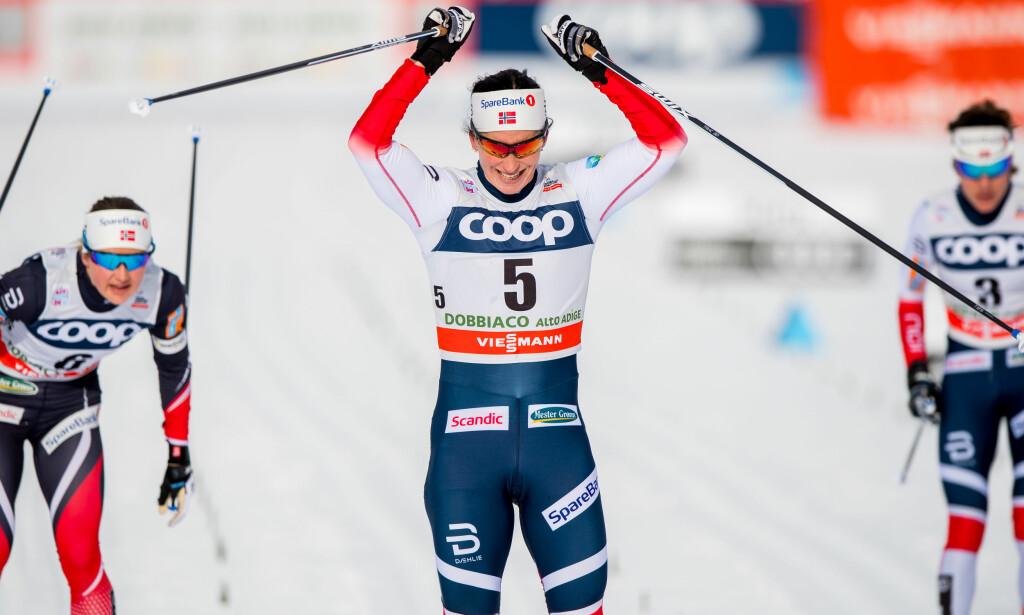 STERKEST: Marit Bjørgen viste god, gammel form og var uslåelig på dagens jaktstart i Toblach i Italia. Foto: Jon Olav Nesvold/Bildbyrån.