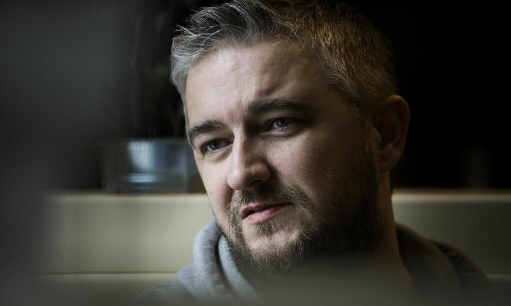 GLAD FOR ENDRING:Aleksander Schau er glad for at flere bedrifter, blant dem TV2, har tatt tak i varslingsrutinene sine. Foto: Frank Karlsen