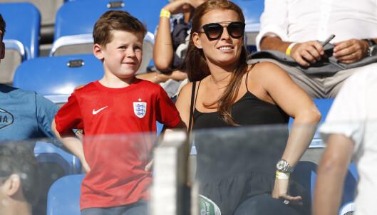 SUPPORTERE: Coleen og barna heier ofte på Wayne fra sidelinjen. Her sammen med sønnen Kai i 2015. Foto: Reuters