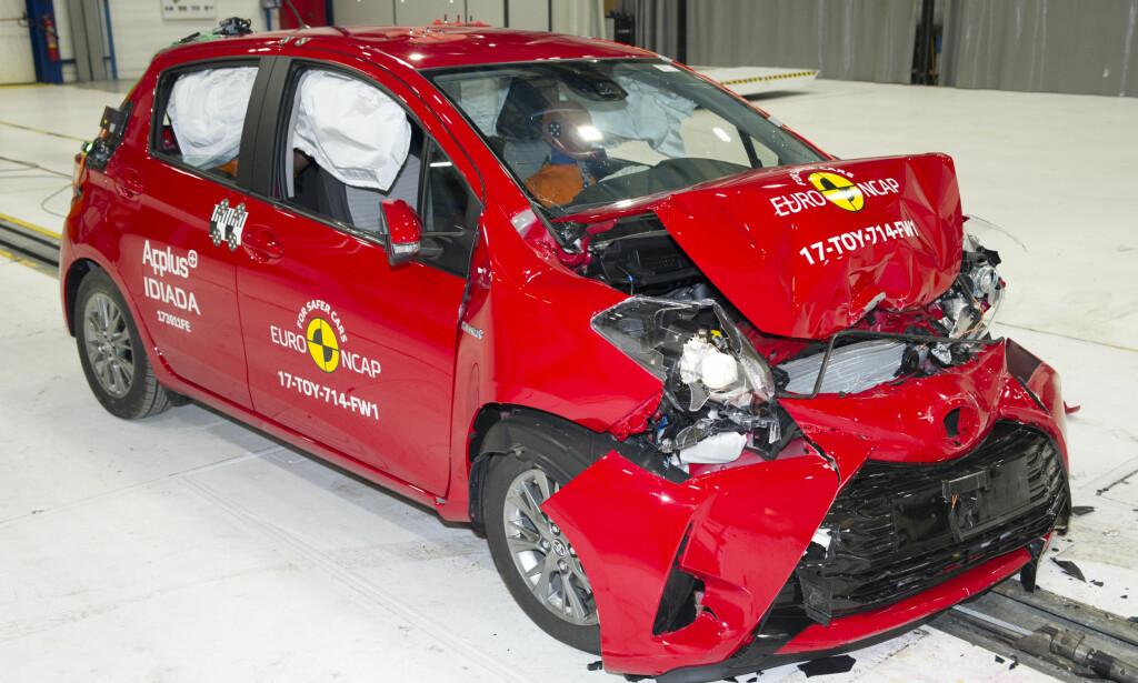 FORTSATT SOLID: Toyota Yaris, introdusert på markedet i 2011 og kraftig oppgradert i 2014, viser at en eldre bilmodell fortsatt kan score full pott. Foto: Euro NCAP
