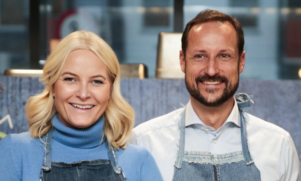 ALTERNATIV JUL: Kronprinsesse Mette-Marit og kronprins Haakon skal feire deler av julaften på restaurant Egon på Storo i Oslo. Foto: Lise Åserud / NTB scanpix