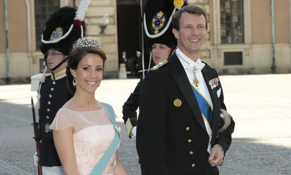 SNAKKER UT: Prins Joachim har flere ganger skapt overskrifter i Danmark, noe som har ført til svekket popularitet i nabolandet. Nå forteller 48-åringen at han føler seg misforstått. Her avbildet med sin kone, prinsesse Marie. Foto: NTB scanpix