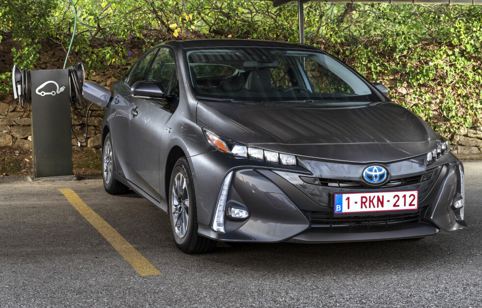<strong>LOVER MER ENN BARE HYBRID:</strong> Toyota har i dag lansert sin elbilsatsning. Går det som japanerne lover vil det ha kommet ti Toyota-elbiler tidlig på 2020-tallet. Foto: Toyota