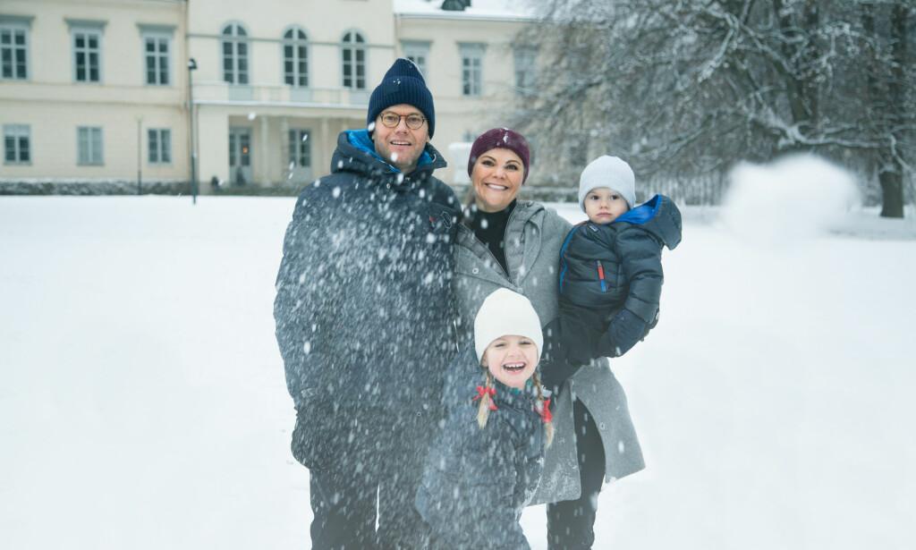 VIDEOHILSEN: Den svenske kronprinsessefamilien gjentar suksessen fra i fjor, og har nå delt en video med årets julehilsen. Videoen kan du se lenger ned i saken. Foto: Raphael Stecksén / Kungahuset.se