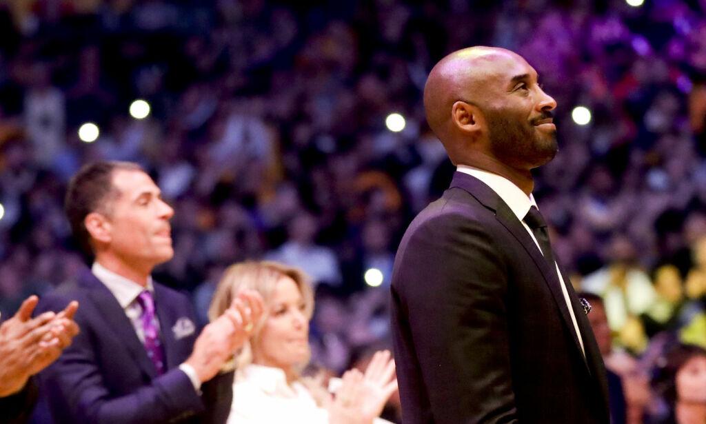 image: Hyllet Kobe - Lakers fredet begge nummerne til basketikonet