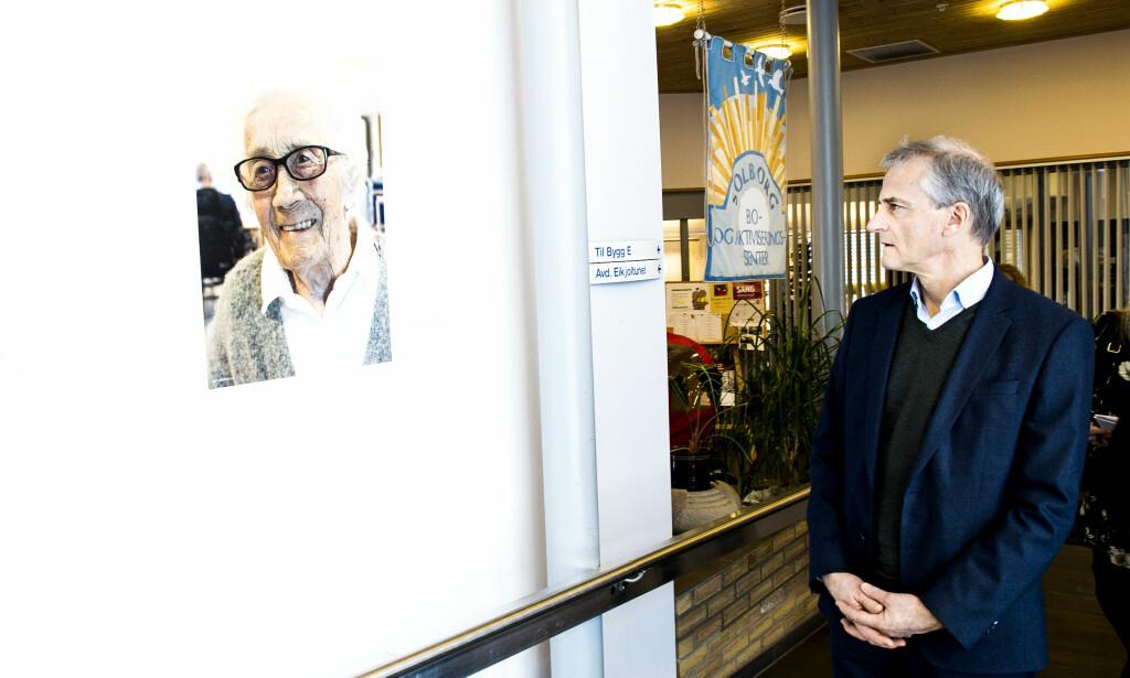 KRISEBETONT: - Det er lett å velge en krisebetont innfallsvinkel til eldreomsorgen, men det er veldig mye bra også, mener Jonas Gahr Støre. FOTO: John-Terje Pedersen