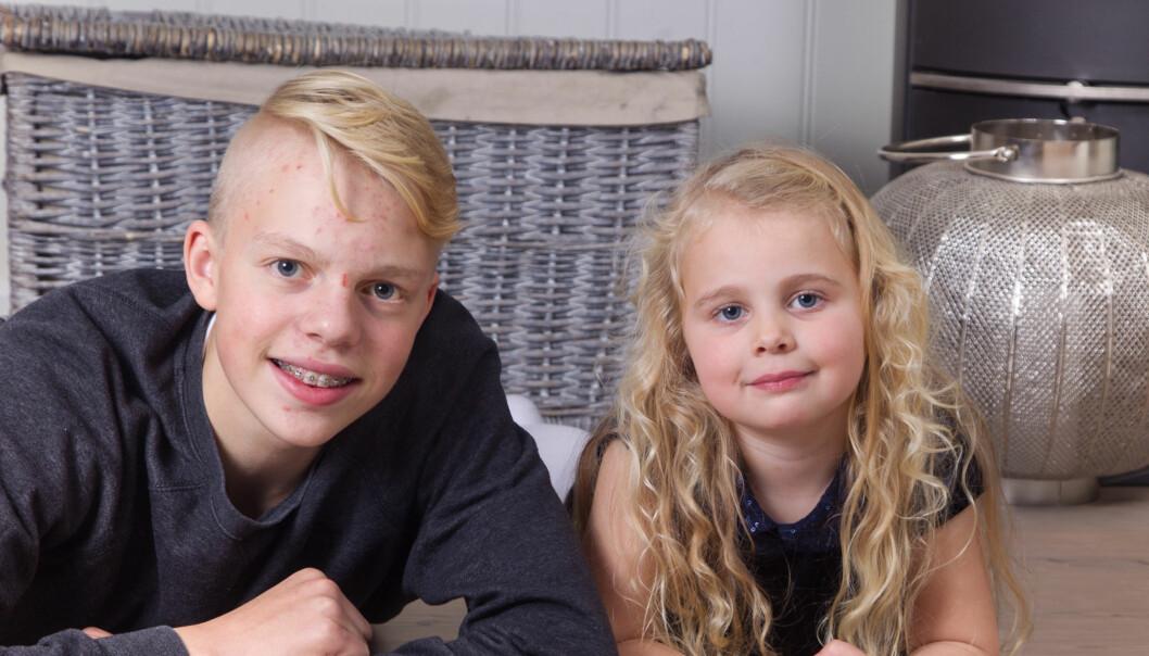 JULEBARN: Søsknene Kristoffer og Lilly fra Svelgen er begge født på julaften. Foto: Svend Aage Madsen